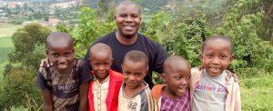 Uganda: igreja presente