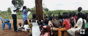 Uganda: existe esperança em Cristo, em meio a desesperança.